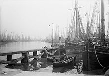 Fish dock, Grimsby, Lincolnshire c1890.